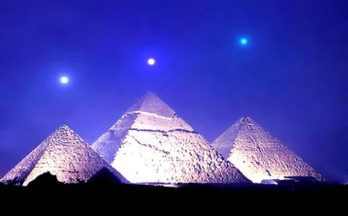 pharaohlife:  Planetary Alignment - Pyramids of Giza December 3rd, 2012.