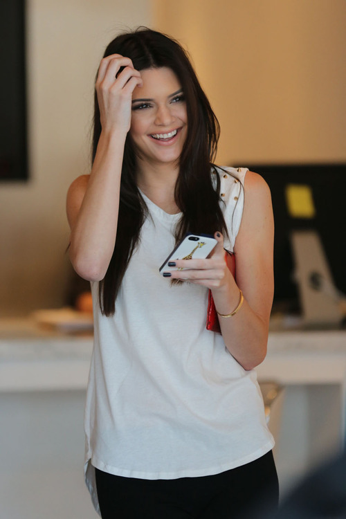 silver-couture:  kendall is so perfect