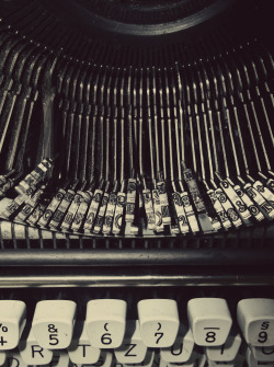 lensblr-network:   Typewriter. by Kārlis Kriņģelis  (under-window.tumblr.com)
