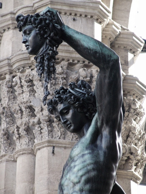 cwthpia:  Perseus slaying Medusa.
