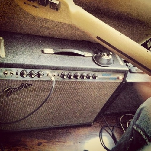 Our new vintage toy…. My house is really loud all the time now. #fender #reverb #amp  (at Some Green Hills Hollar)