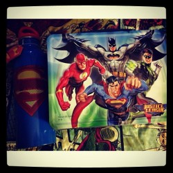 Justice League decided to become my new lunch buddies 😱😜😙 #lunchbuddies #JusticeLeague #superman #batman #Flash #TheFlash #GreenLantern #lunchbox #pimpshit #heroes #superheroes #nerdProblems