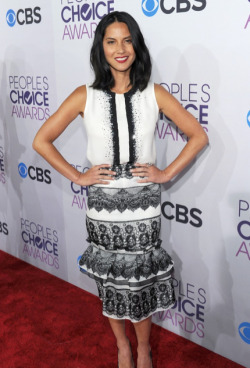 2013 PEOPLE'S CHOICE AWARDS - OLIVIA MUNN  2013 has sure kicked off with a fabulous start in Hollywood, with the 2013 People's Choice Awards taking place today. The hottest stars in tinsel town attended the event at the Nokia Theatre in Los Angeles and we assure you that there was plenty to see when it came to the hot frocks and shocks in the fashion stakes! Here are the hottest red carpet photos for YOUR viewing pleasure! Image Source: Just Jared