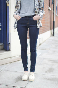 thewhitepepper:  THE WHITEPEPPER High-Waist Skinny Jeans Styling and Photography by THE WHITEPEPPER