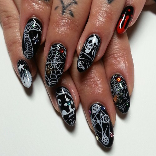 BRUTAL Nails for @death_0r_glory. #tired #badgal #evil #nail #nails #nailart