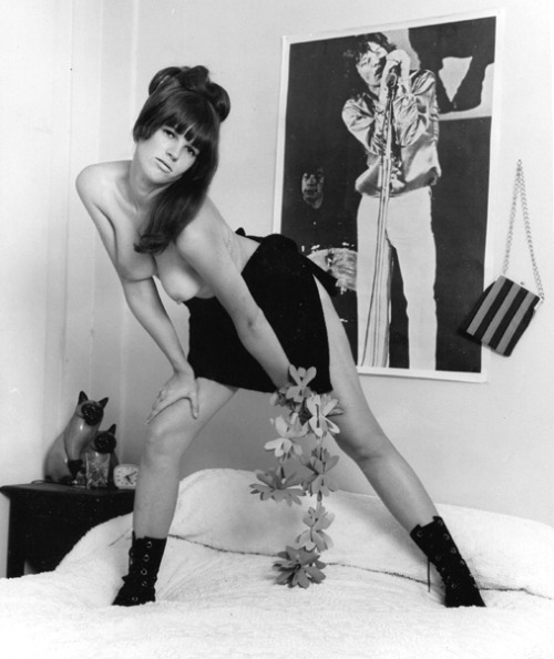 retrogirly:  Mick Jagger fan, Linda Francis.