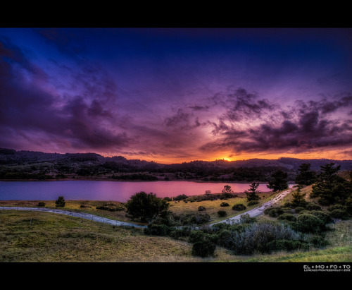 el-mo-fo-to:  leapyday sunset at crystal springs on Flickr. Taken Feb 29, 2012…. _____________________________________________________ I do a lot of HDR processing. All of my HDR photos can be found here. facebook | google+ | twitter | 500px | pinterest | elmofoto.com