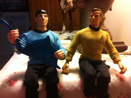 Spock finally arrived and is now serenading Jim! (Indiana will be very jealous)
