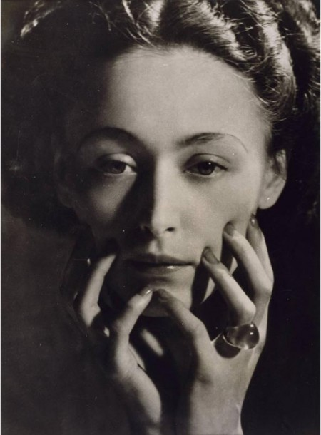 liquidnight:  Dora Maar Nusch Éluard, 1935 [via Le Journal De La Photographie]
