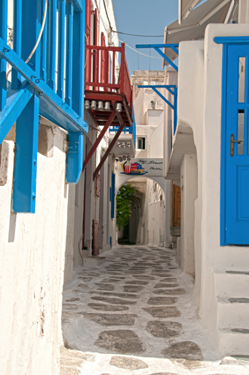 handa:  Ruelle de Mykonos, a photo from Kyklades, South Aegean | TrekEarth