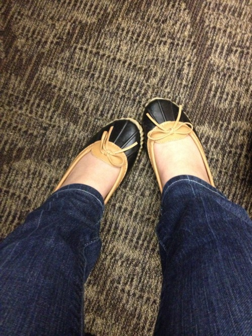 It's 3:52pm and I have yet to change out of the new duck shoe ballet flats I decided to break out today, in honor of the gloomy weather.   I'm debating how soon is too soon to change into my workout clothes.   Today is being such a Monday.