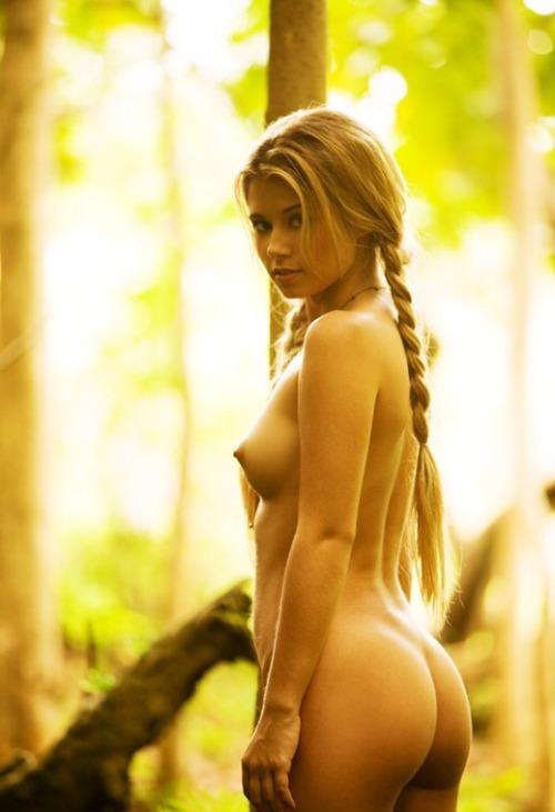 порно с молодой блондинкой с большими сиськами