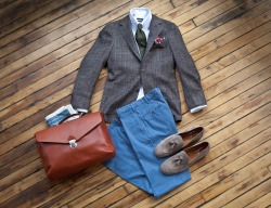 suitsupply:  The Weekend Rig: Business Trip to New Orleans  Our wool/silk/linen blend Havana will keep you cool under the most intense of conditions - like in the sticky Southern heat of the Big Easy.  Wear it with a White Safari shirt, Washed Blue Chinos, Tassel Loafers, a Silk tie, Linen pocket square, and of course our Cognac Portfolio bag.
