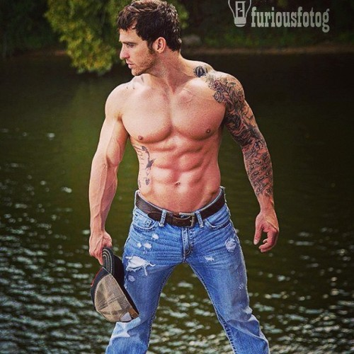 chasidygodsey:  He can come home with me anytime!! #countryboy 😍😘❤💋👫