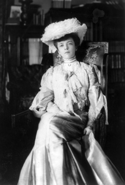 "mothgirlwings:  Alice Roosevelt - 1902 Theodore Roosevelt's beautiful eldest daughter, who not only cut her wedding cake with a sword, defied all the conventions of her day regarding women and carried a dagger in her pocketbook, but who  also had a pillow embroidered with her most famous quote on her couch; ""If you haven't got anything good to say about anybody, come sit next to me."""