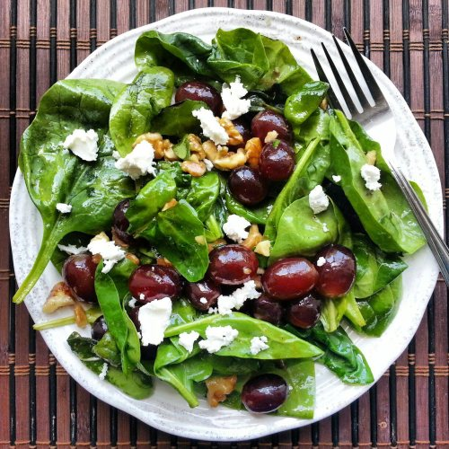 beautifulpicturesofhealthyfood:  Spinach & grape salad with walnuts & goat cheese…RECIPE