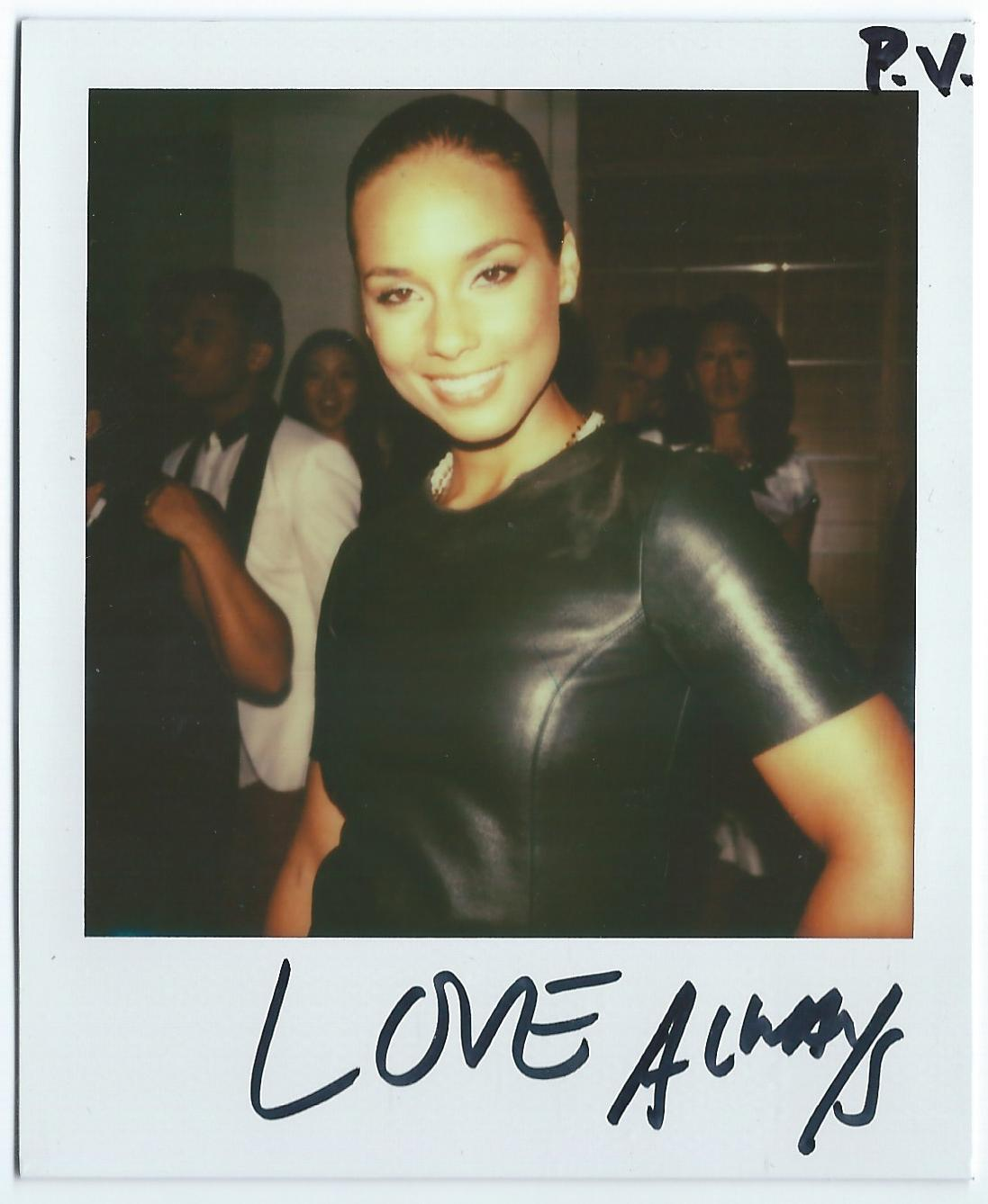 """LOVE ALWAYS"" - ALICIA KEYS"