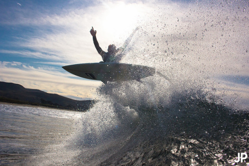 surf3r-street:  to the sky by Jeán Paul Molyneux on Flickr.