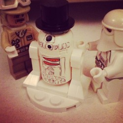 Snow droid building can be enjoyed by all ⛄#starwars #lego