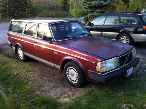 Time to part with my trusty 'ole 1989 Volvo 240 DL wagon. She's been very good to me and hope to find someone to take good care of her. Located in Sudbury, Ontario.
