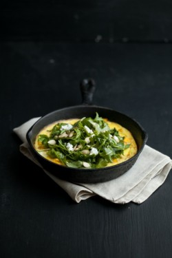 kiyoaki:  (vía Roasted Pumpkin and Goat Cheese Frittata with Arugula Salad | Naturally Ella)
