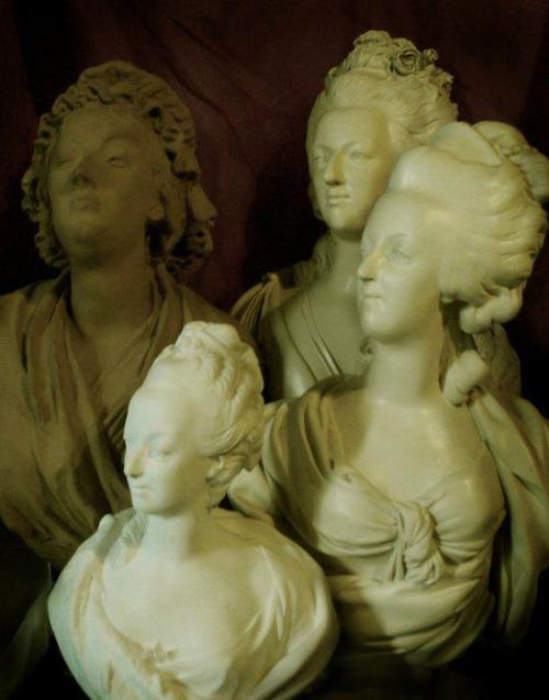 tiny-librarian:  Busts of Marie Antoinette Source
