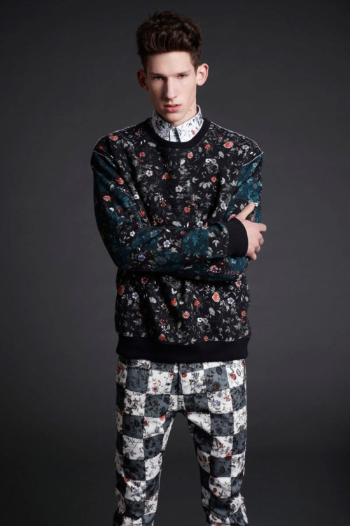 mcqueenlovesme:  McQ Fall Winter 2013 LookbookBotond Cseke by Roger Deckker