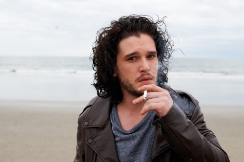 terrysdiary:  Kit Harington in Vencie #9  Gah