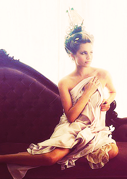 If you know what Dianna Agron looks like at six in the morning, it's stunning — like, it's gorgeous