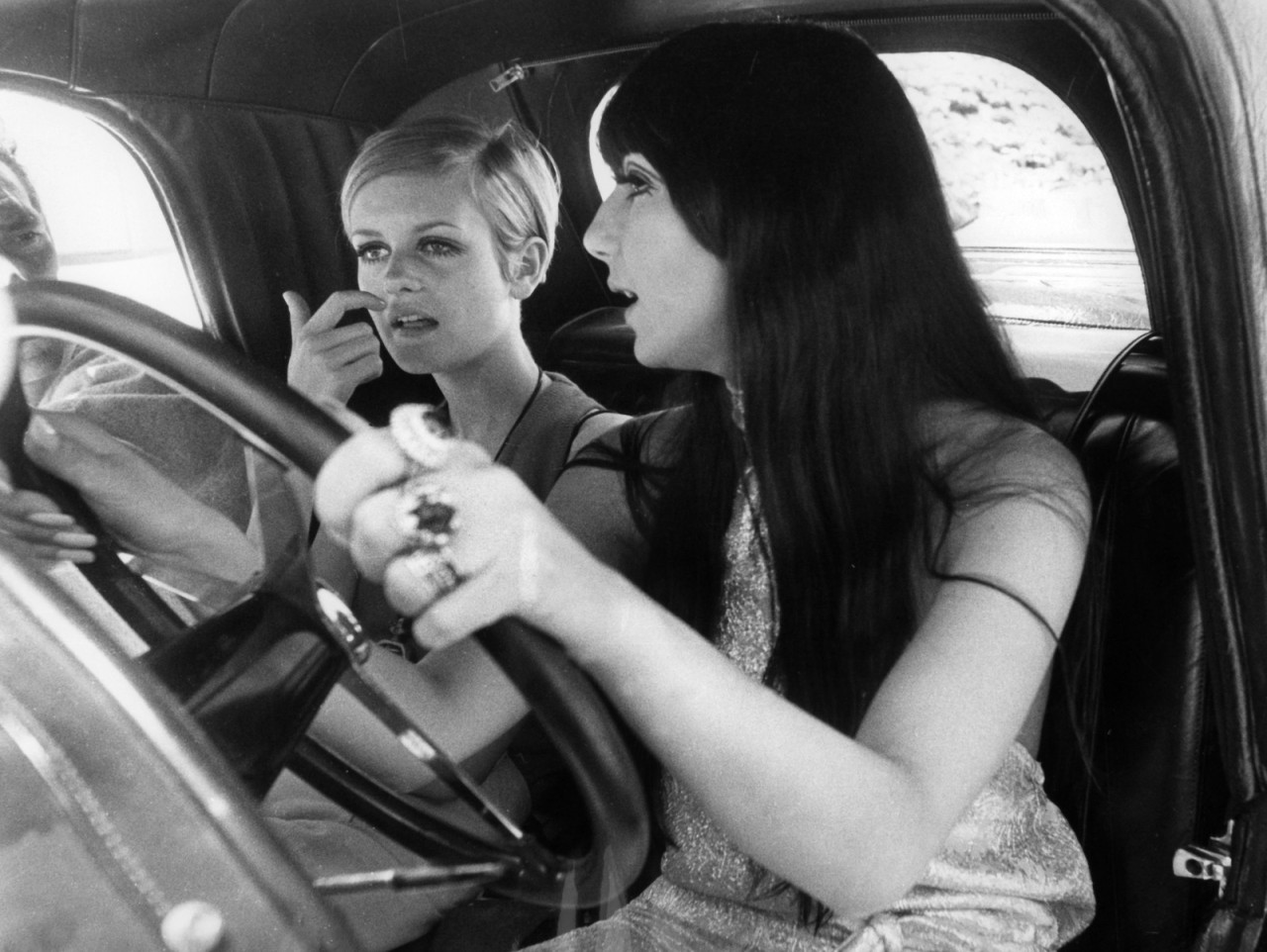 theswinginsixties:  Cher and Twiggy taking a joy ride.