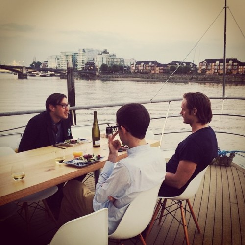 askarsswedishmeatballs:  Alex and some friends in London today