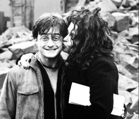 Daniel Radcliffe and Helena Bonham Carter. Love this :)