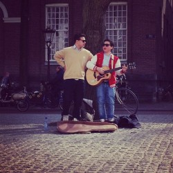 AMSTERDAM | The sun shines (yeah for real) and these guys…way toooo cute! If I were 10 years younger haha #amsterdam  (at Spui)