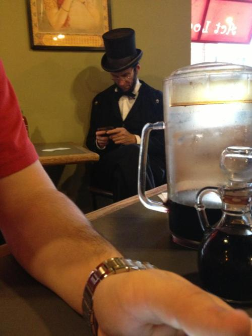 a-sexy-cat:  oh dont mind me just texting the slaves free