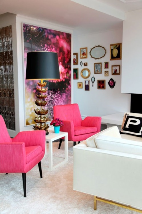 So chic! More pink interiors here!