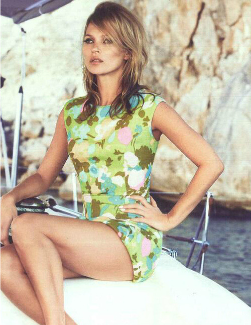 Kate Moss is looking gorg on the cover of UK Vogue June 2013. Not only is the cover baller, but her 60s themed spread on the inside is just as admirable. My favorite by far is this look. The perfectly messy hair and the flower power jumpsuit makes every girl want to go boating. Ms. Moss and Anna Wintour strike again.