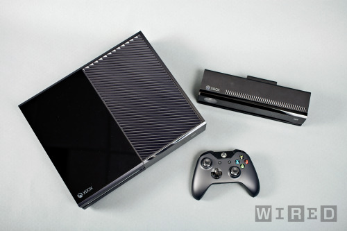 shortformblog:  wired:  We got an EXCLUUUUUSIVE first-hand look at the brand-spakin'-new Xbox One. GO CHECK IT OUTTTTTTTT.  Check this out both for the exclusive story Wired just scored and the Verge-esque layout.