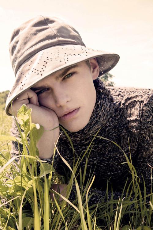 rebloggingrob:  homme—models:  Taras Koltun by Ivan Muselli.