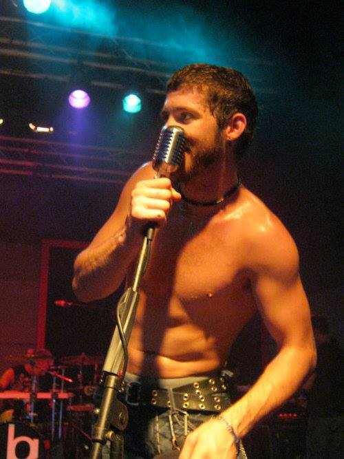 dont-charge-me-for-the-crime:  I just found the hottest picture of Brantley Gilbert in History. -drools-