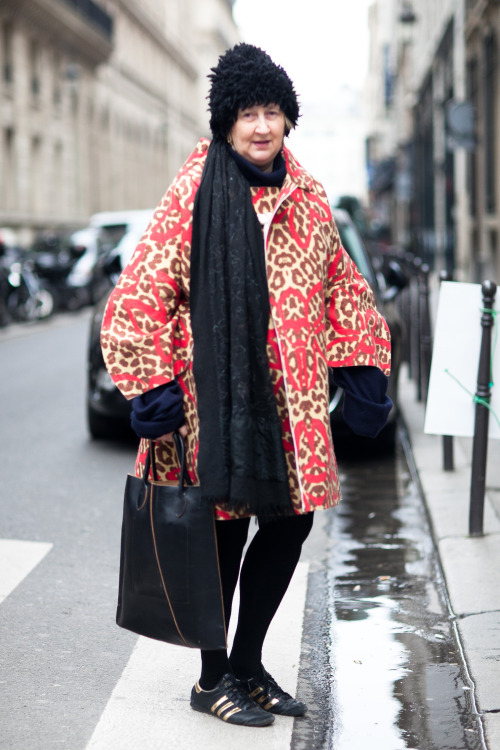 Woman in Comme des Garçons after Tsumori Chisato FW13 today (Paris)