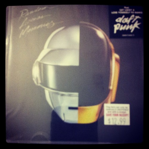 The wait is over! I just picked up the new Daft Punk album! :D