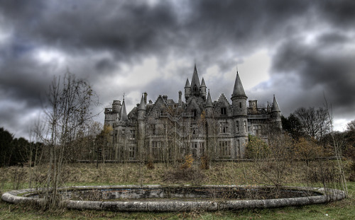 idilapidated:  Miranda Castle also known as the Chateau de Noisy is an abandoned school in Belgium. Built in 1866 it has been empty since 1991.  I WANT TO GO TO THERE