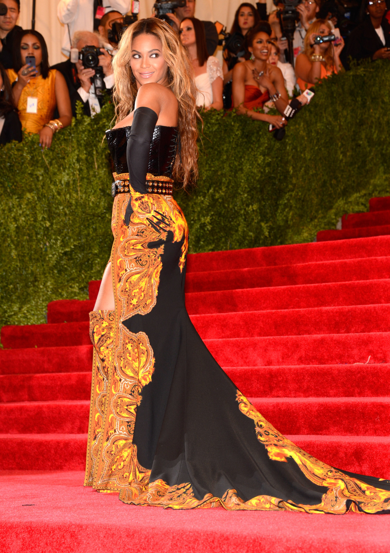 beyonce:  Beyoncé at the 2013 Costume Institute Benefit Dress by Givenchy Shoes by Givenchy Jewelry by Lorraine Schwartz