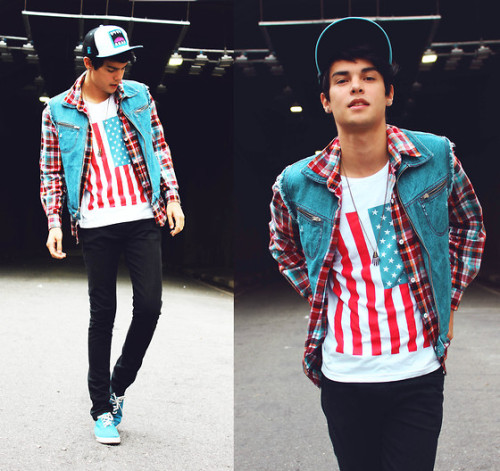 diegobeltran:  We can't stay forever young (by Vini Uehara)