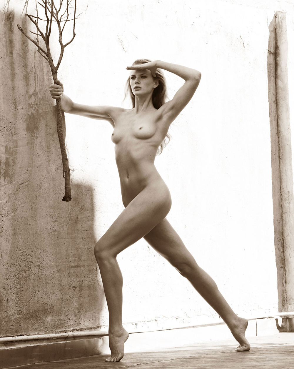(via Anne Vyalitsyna, Andrej Pejic Are Classic Nudes in Mariano Vivanco Personal Project - 0- New Posts Fashion Editorials, Sensual Living - Fashion Editorials, Art & Sensual Living)