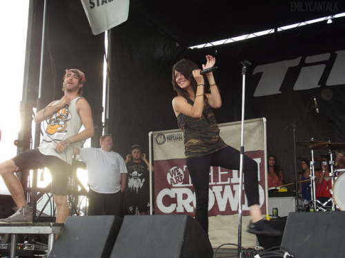 ohbbtayjardine:  Alex Gaskarth and Tay Jardine by emilycantalk on Flickr.