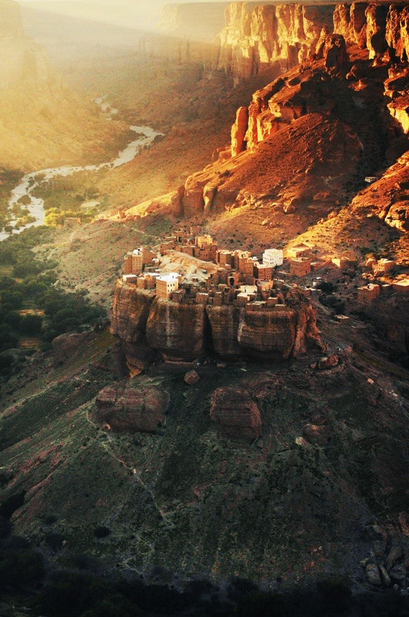 x-enial:  Wadi Dawan, central Yemen (source)