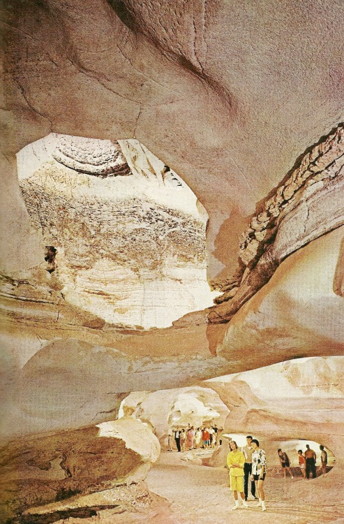vintagenatgeographic:  Longhorn Cavern's Hall of Marble, Texas National Geographic | November 1963