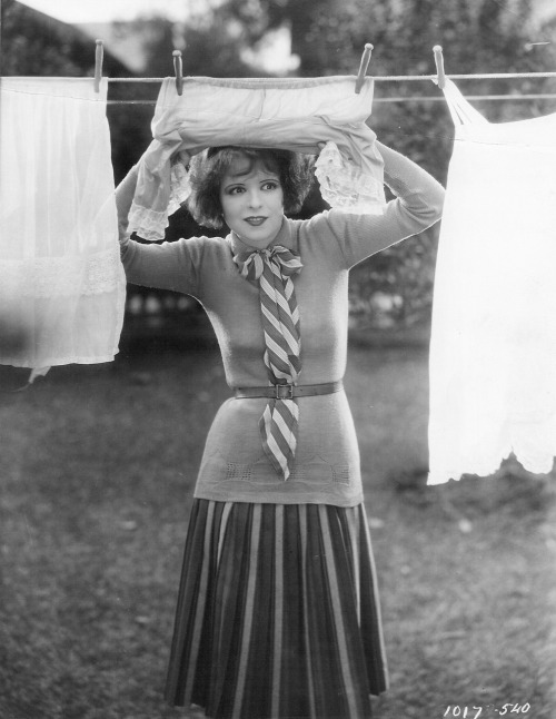 vintagemarlene:  miss clara bow (source: david-paris.blogspot.com)