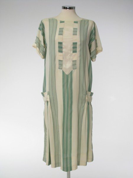 "kittyinva:  1927-28 English silk day dress. Here's one of those hard-to-find extant day dresses. Being of silk, it was a ""better"" dress than the cotton house or porch dresses, and may have been preserved as a favorite."